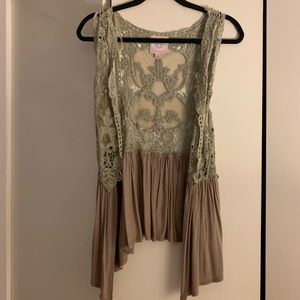 Romeo and Juliet lace vest